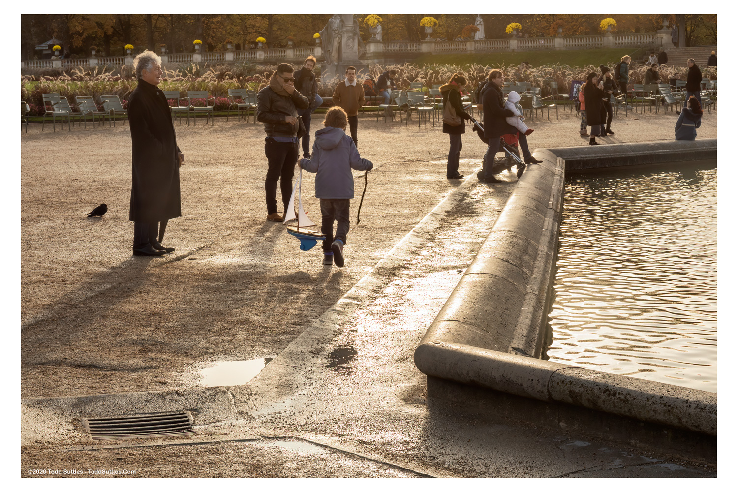 JOBID191113-03-Afternoon_Paris_Park_Border_wm_10x15